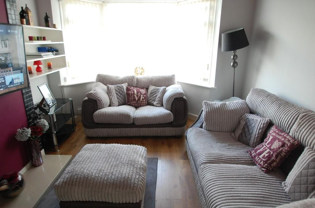 2 Bedrooms Semi Detached Bungalow for sale in Fecitt Brow, Intack, Blackburn