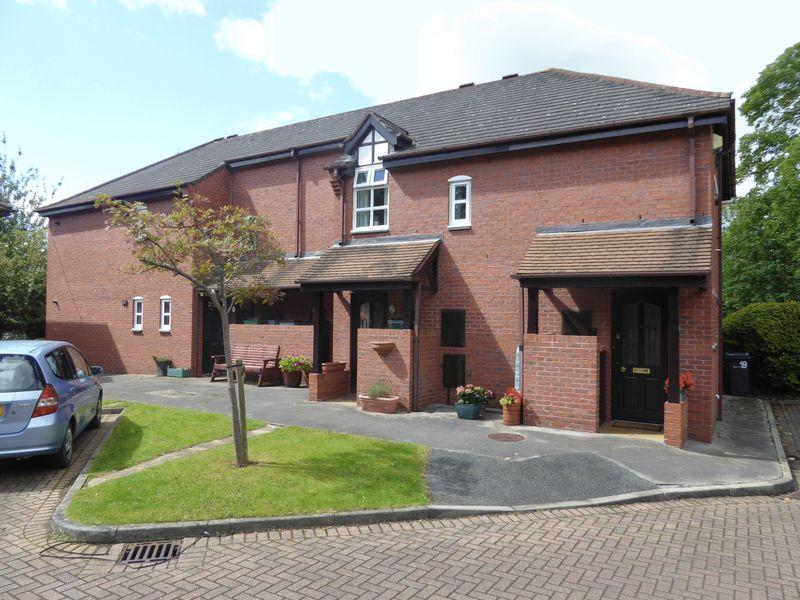 2 Bedrooms Retirement Property for sale in Central Tarporley