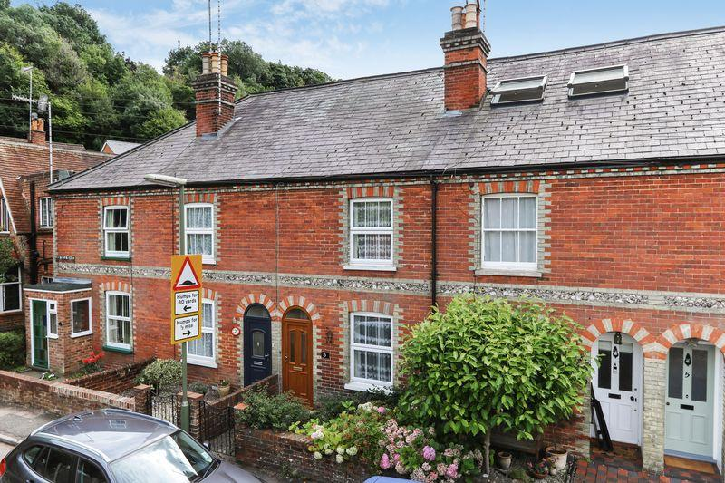 3 Bedrooms Terraced House for sale in Godalming Town Centre