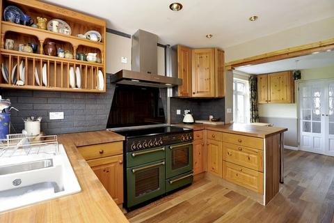 3 bedroom semi-detached house to rent - New Road, Godalming