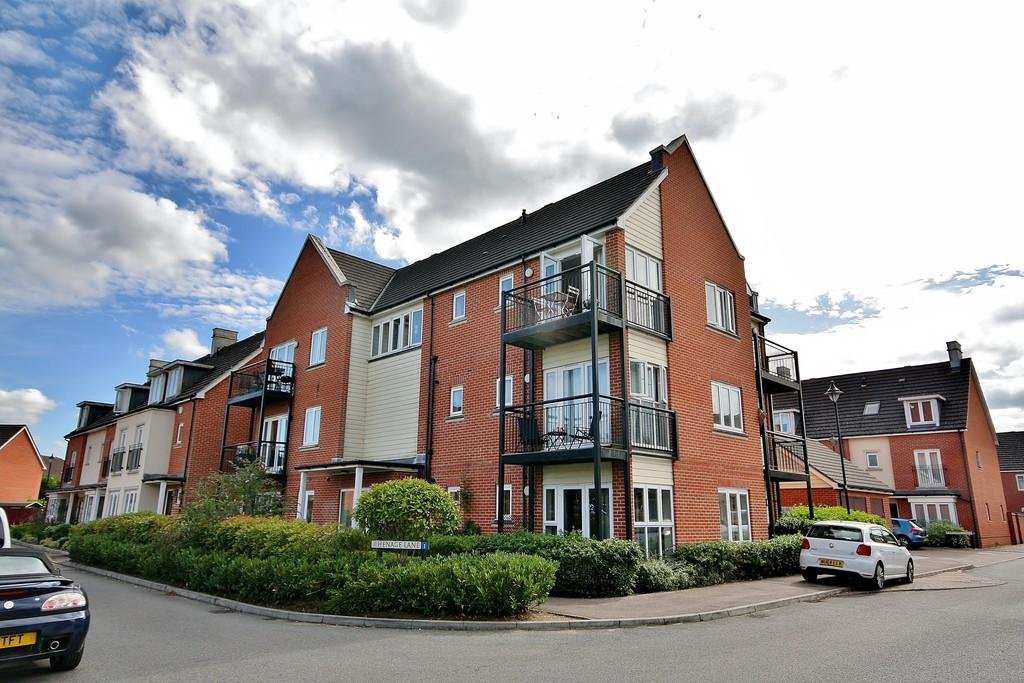 2 Bedrooms Apartment Flat for sale in Old Woking, Woking