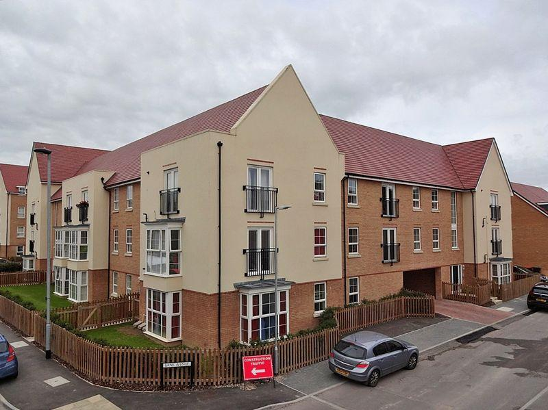 2 Bedrooms Flat for sale in Bank Avenue, North Dunstable