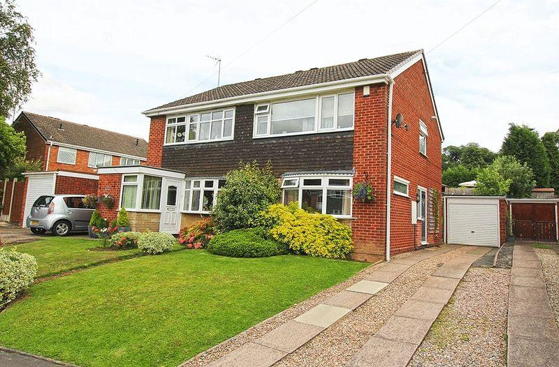 3 Bedrooms Semi Detached House for sale in Eversley Grove, NORTHWAY, SEDGLEY