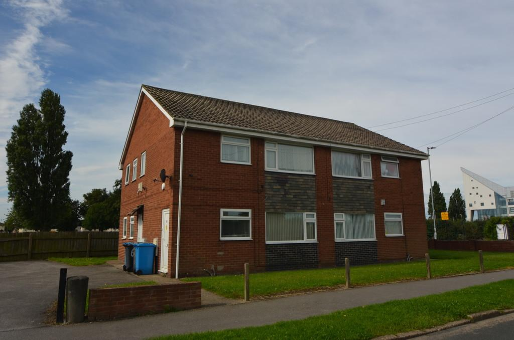 2 Bedrooms Apartment Flat for sale in 55-60 Mappleton Grove, Hull, HU9 5XD