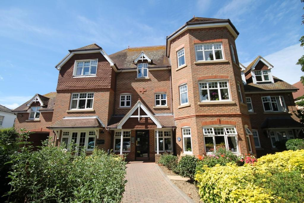2 Bedrooms Flat for sale in Grasmere Court, Wordsworth Road, Worthing BN11 3JE