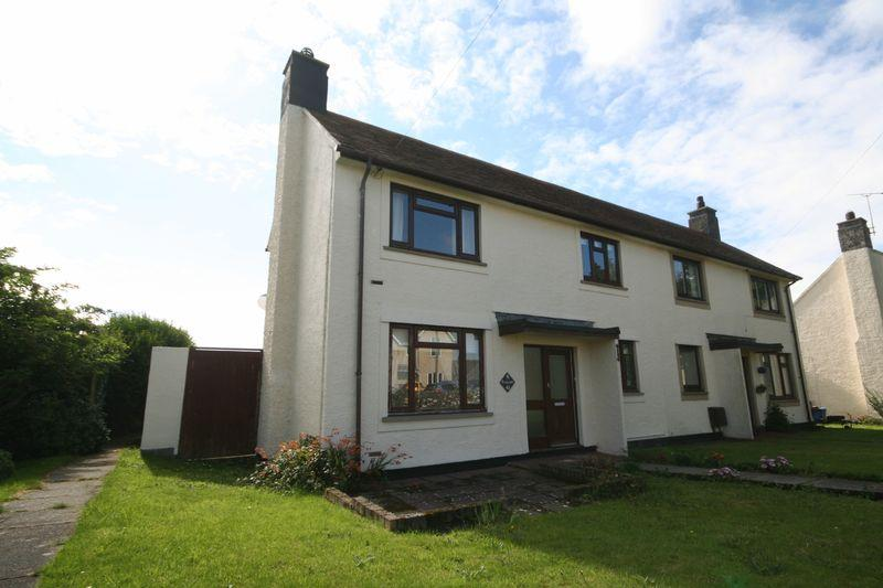 2 Bedrooms Semi Detached House for sale in Minffordd Road, Caergeiliog