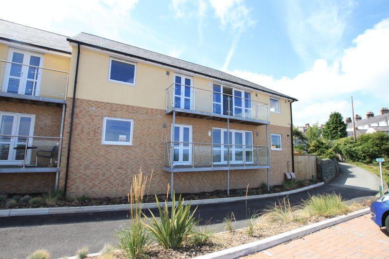 3 Bedrooms Apartment Flat for sale in Bangor, Gwynedd