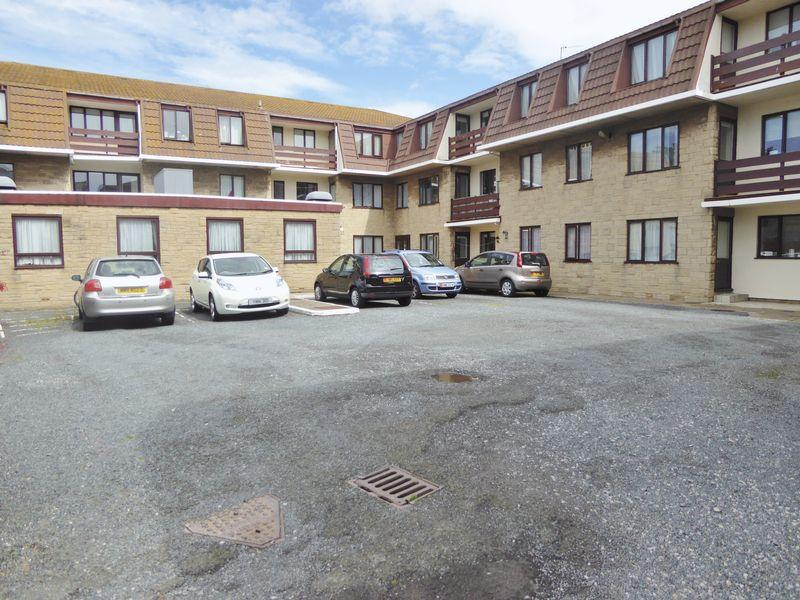 2 Bedrooms Apartment Flat for sale in 19 Cherry Orchard, Bridson Street, Port Erin