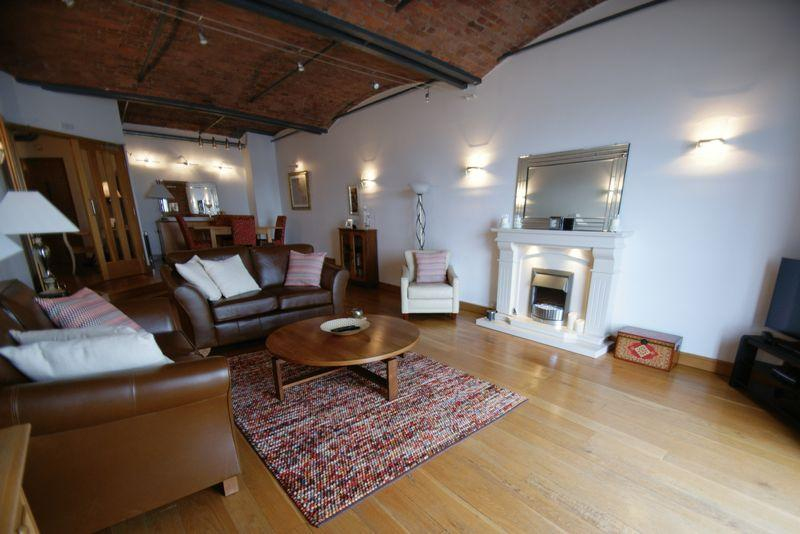 2 Bedrooms Apartment Flat for sale in The Colonnades, Albert Dock