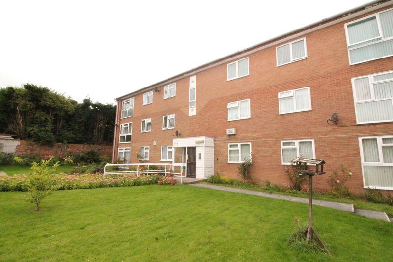 2 Bedrooms Apartment Flat for sale in Lorne Road, Prenton