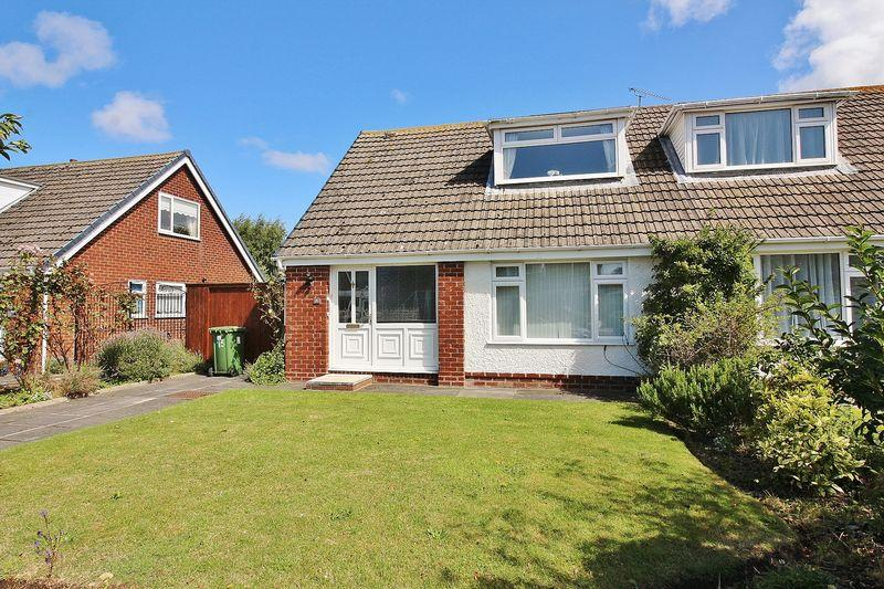 3 Bedrooms Semi Detached Bungalow for sale in Vale Crescent, Ainsdale