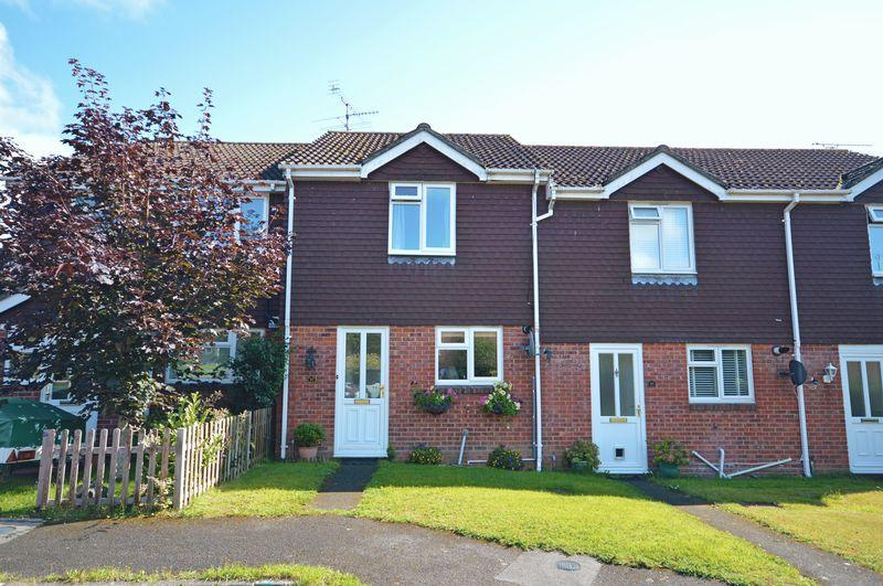2 Bedrooms Terraced House for sale in Periwinkle Close, Lindford