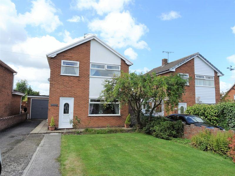 3 Bedrooms Detached House for sale in Heol Caradoc, Wrexham