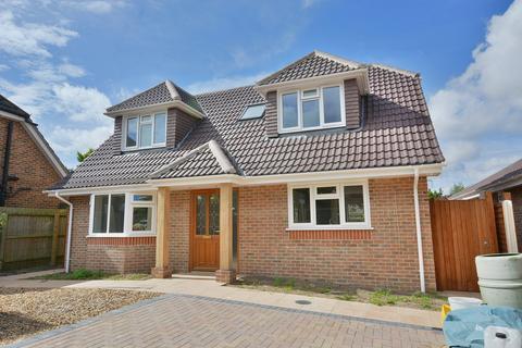 4 bedroom detached house for sale - Ringwood Road, Verwood