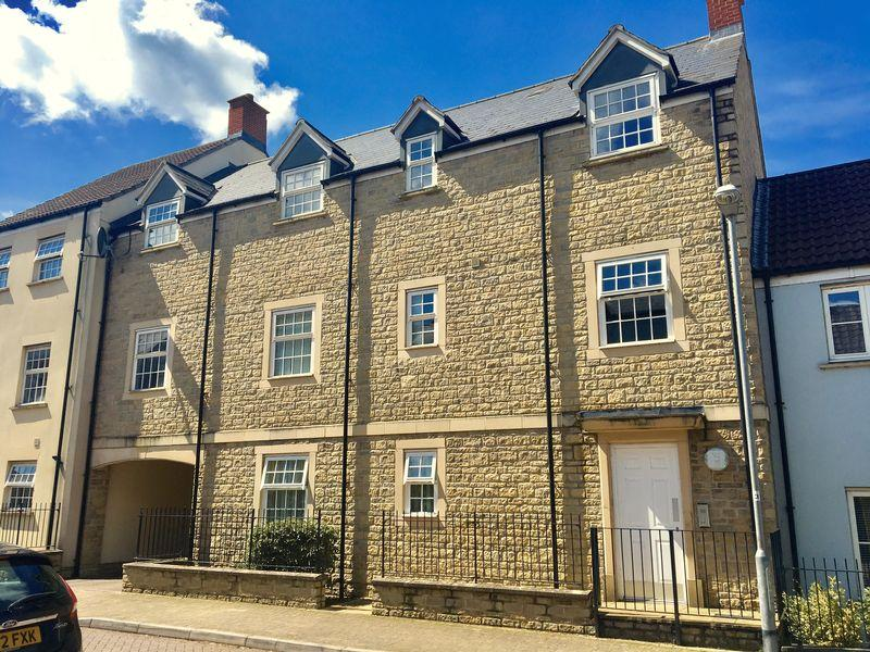 2 Bedrooms Apartment Flat for sale in Summerleaze Park, Shepton Mallet
