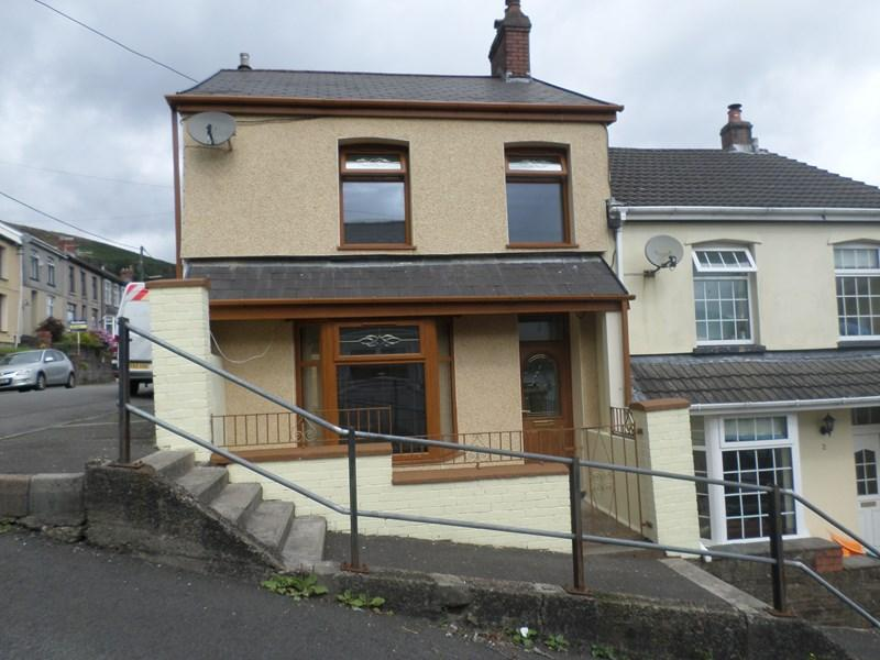 3 Bedrooms End Of Terrace House for sale in King Street, Ferndale