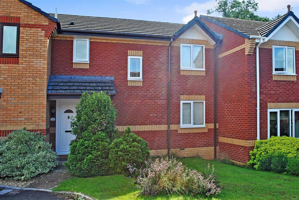 3 Bedrooms Terraced House for sale in Farriers Green