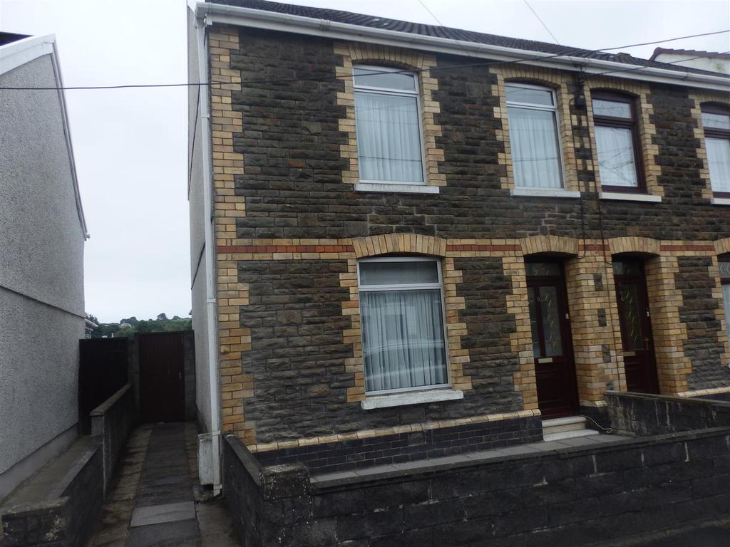 3 Bedrooms Semi Detached House for sale in Station Road, Llangennech, Llanelli