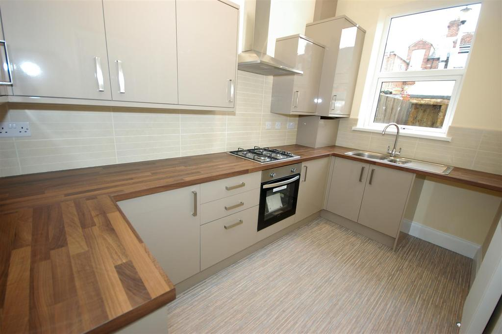 3 Bedrooms Terraced House for sale in Balmoral Terrace, Sunderland