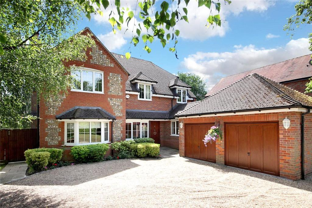 5 Bedrooms Detached House for sale in Manor Road, Seer Green, Beaconsfield, Buckinghamshire, HP9