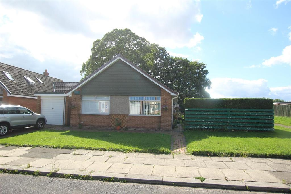 3 Bedrooms Detached Bungalow for sale in Parkland Drive, Darlington