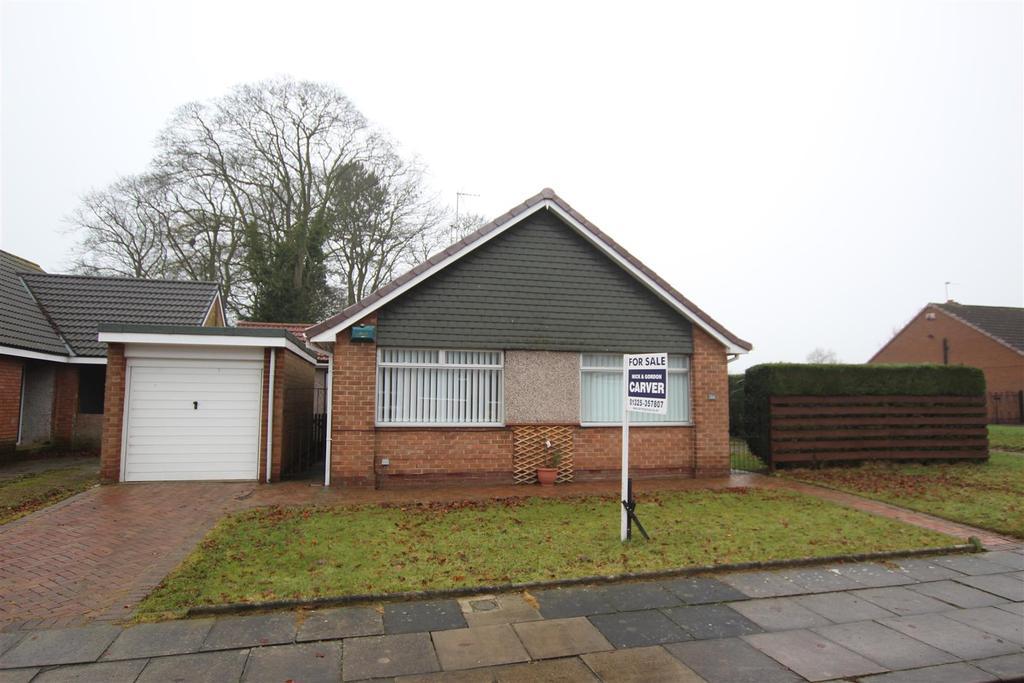 3 Bedrooms Detached Bungalow for sale in Parkland Drive, Darlington