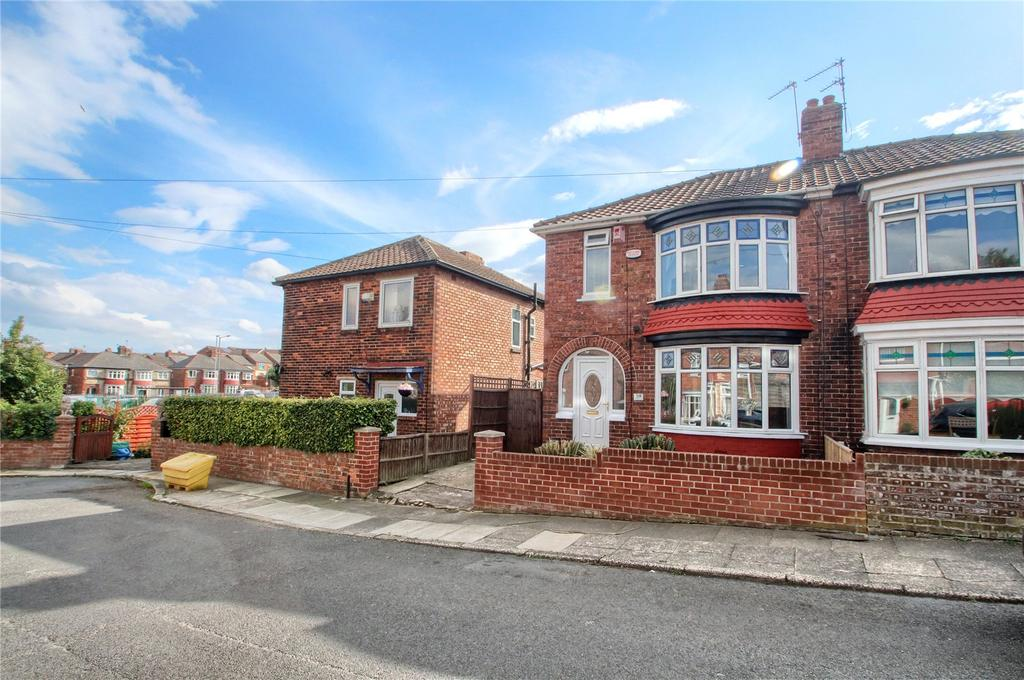 3 Bedrooms Semi Detached House for sale in Hillside Road, Norton