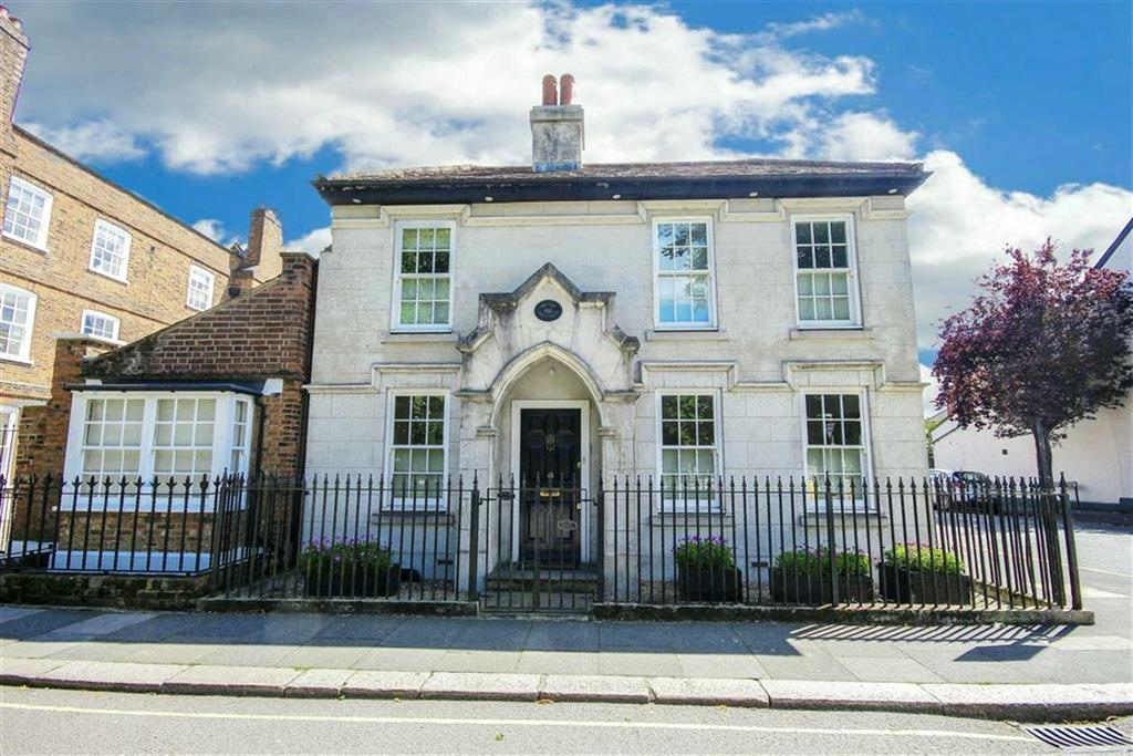 3 Bedrooms Detached House for sale in Hadley Green Road, Hadley Highstone, Hertfordshire