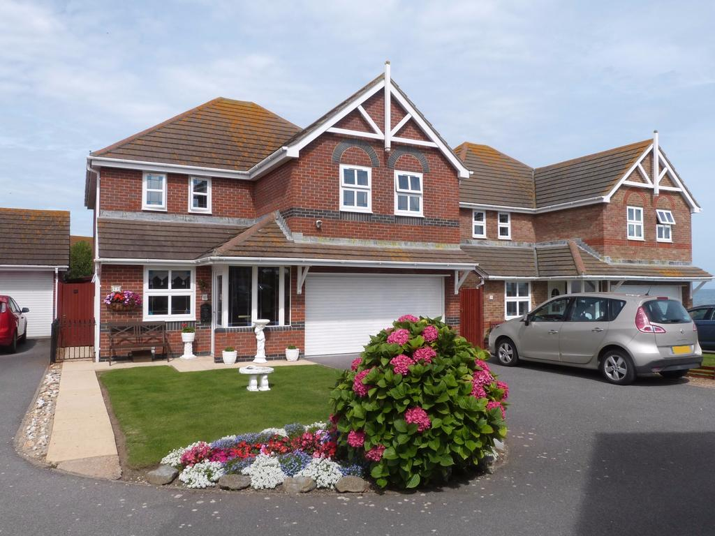 4 Bedrooms Detached House for sale in Canadian Crescent, Selsey