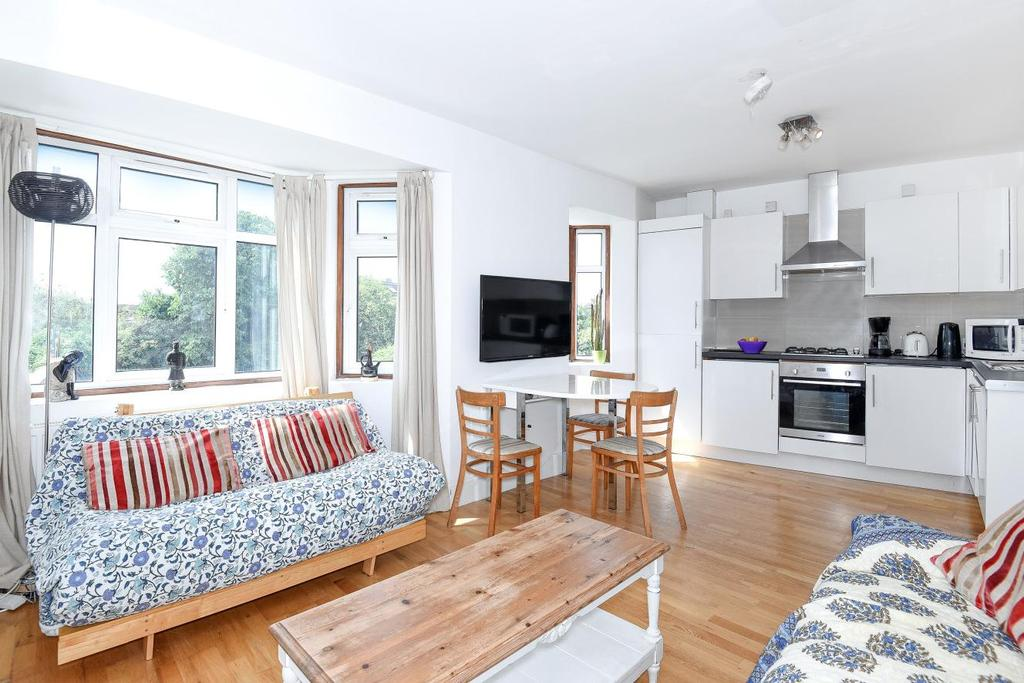 3 Bedrooms Flat for sale in Cloister Road, Acton