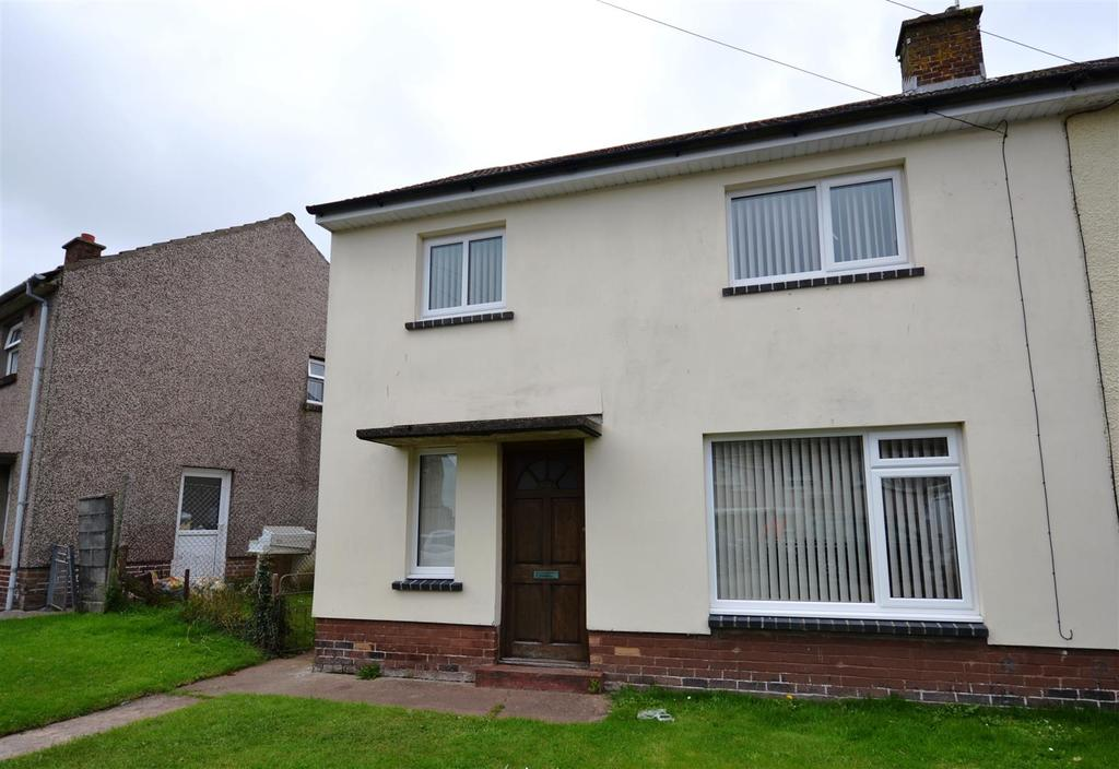 3 Bedrooms Semi Detached House for sale in Hakin, Milford Haven