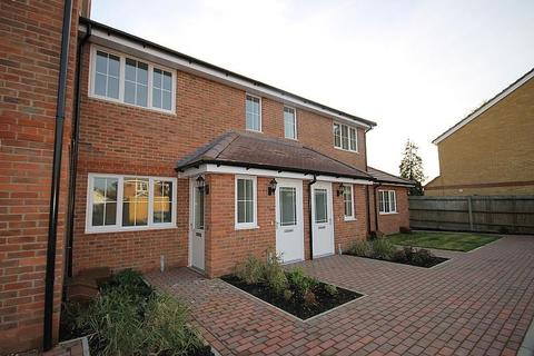 1 bedroom flat to rent - Hanover Close, Ashford, TW15