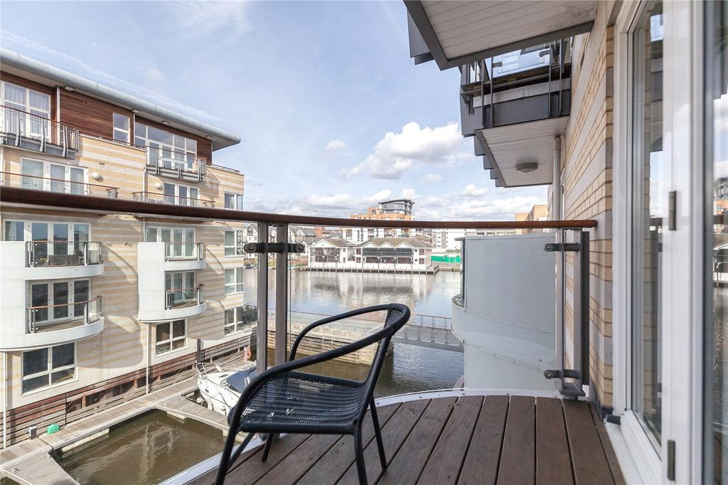 2 Bedrooms Flat for rent in Marina Place, Hampton Wick, KT1