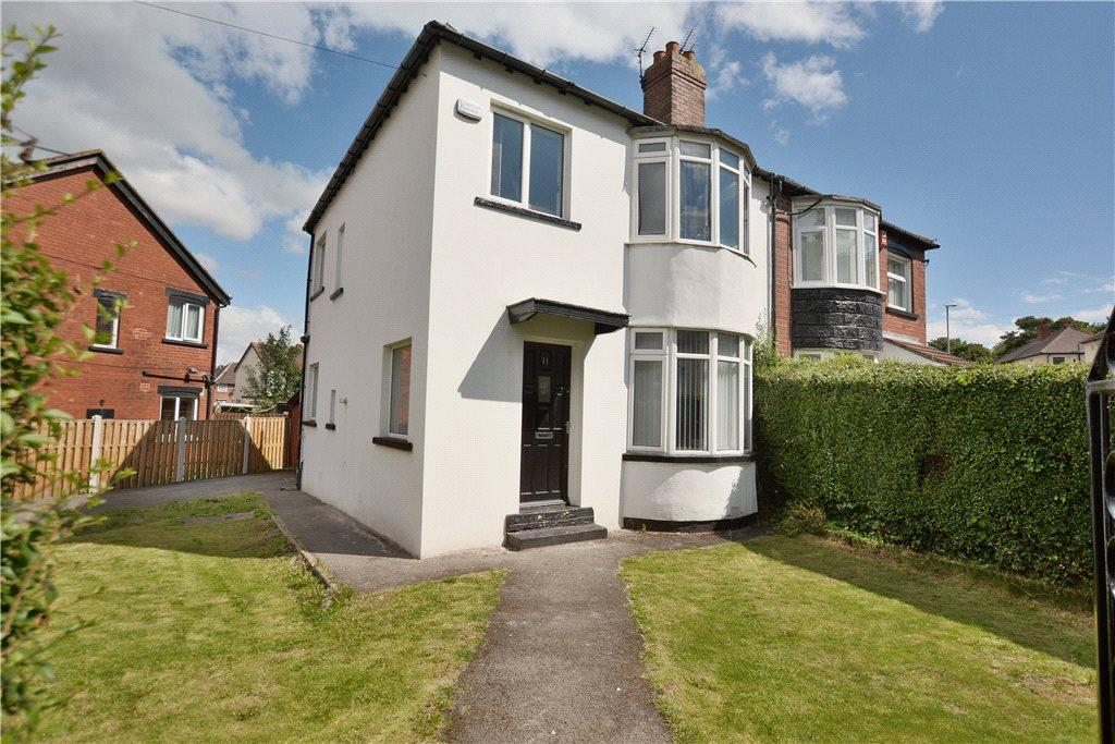 3 Bedrooms Semi Detached House for sale in Harehills Park Avenue, Leeds