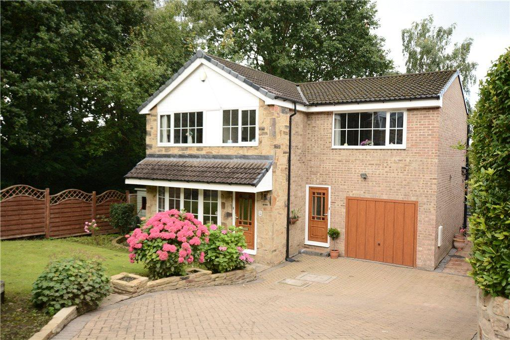 4 Bedrooms Detached House for sale in Craggwood Close, Horsforth, Leeds