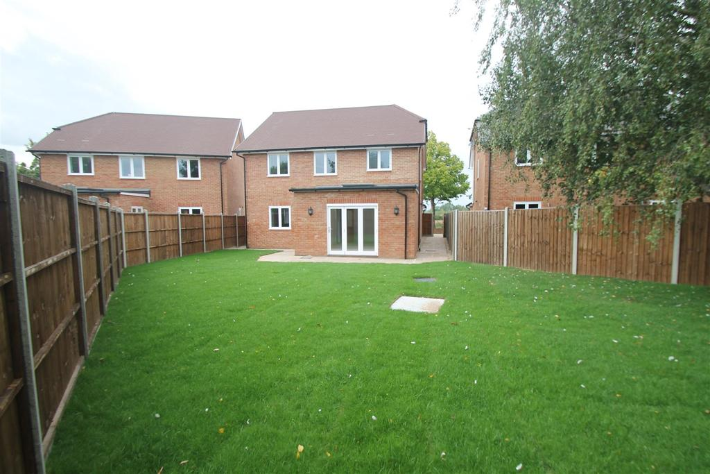 4 Bedrooms Detached House for sale in THE LAVENDERS Kenward Road, Yalding
