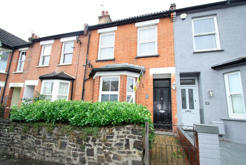 3 Bedrooms Terraced House for sale in Fairleigh Drive, Leigh-On-Sea