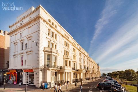 3 bedroom apartment to rent - Palmeira Square, Hove, BN3