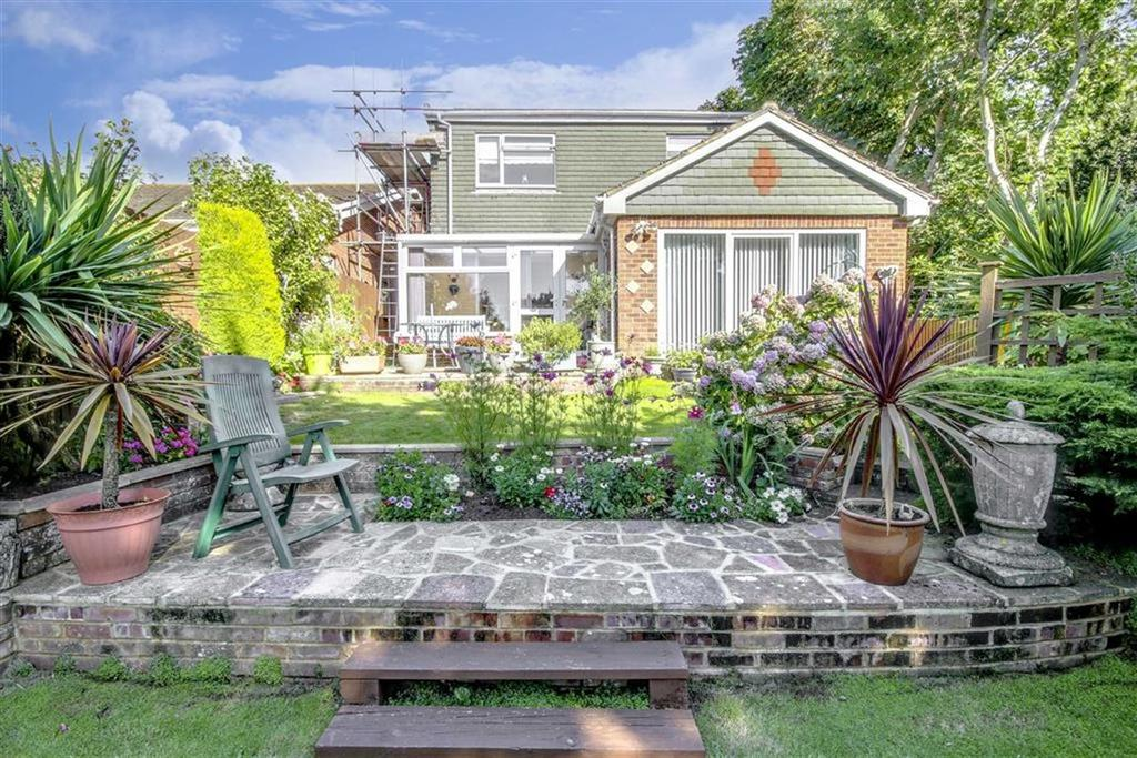 4 Bedrooms Detached House for sale in Cavendish Close, Telscombe Cliffs, Peacehaven