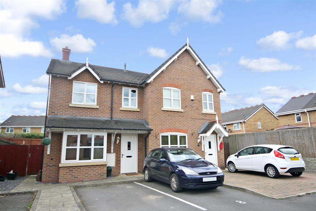 3 Bedrooms Semi Detached House for sale in Trinity Close, Gobowen, Gobowen Oswestry
