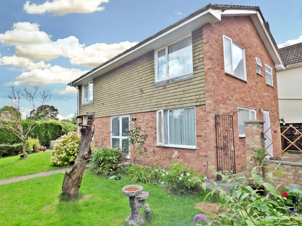 3 Bedrooms Detached House for sale in Hampton Dene Road, Hampton Dene, Hereford
