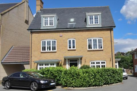 5 bedroom detached house for sale - Greenland Gardens, Great Baddow, Chelmsford, Essex, CM2