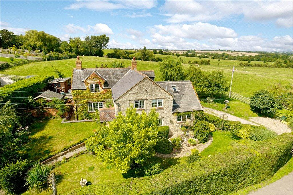 4 Bedrooms Unique Property for sale in Grafton Road, Yardley Gobion, Towcester, Northamptonshire