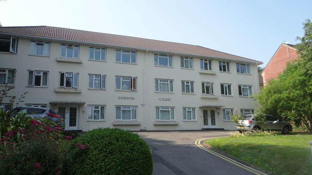 2 Bedrooms Apartment Flat for sale in 38 surrey road, bournemouth bh4