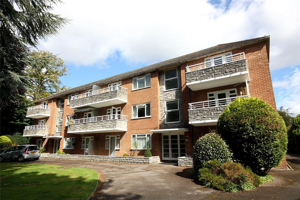 2 Bedrooms Flat for sale in West Cliff Court, 25 Portarlington Road, Bournemouth, Dorset, BH4