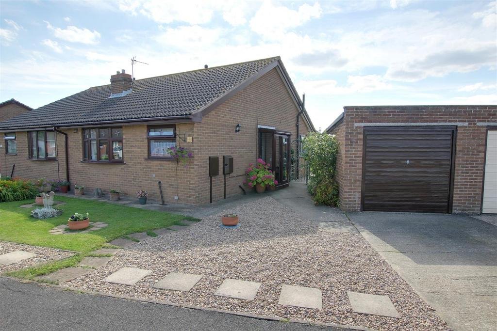 2 Bedrooms Semi Detached Bungalow for sale in 31 Jacklin Crescent, Mablethorpe