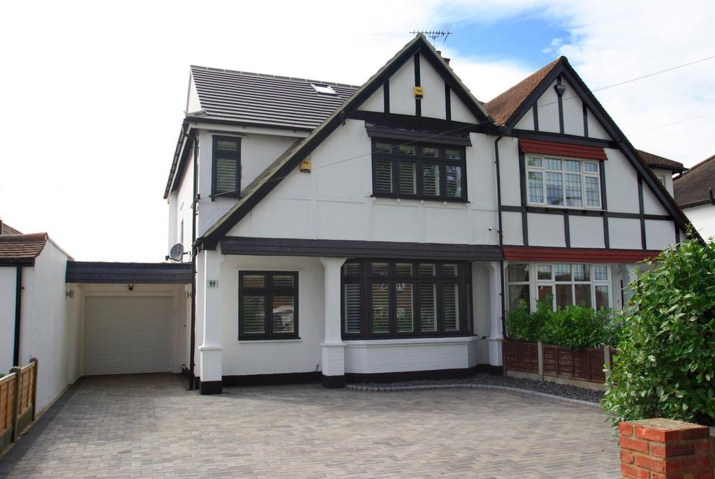 4 Bedrooms Semi Detached House for sale in The Fairway, Leigh-On-Sea