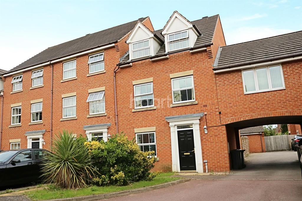 4 Bedrooms End Of Terrace House for sale in Croyland Drive, Abbeyfields