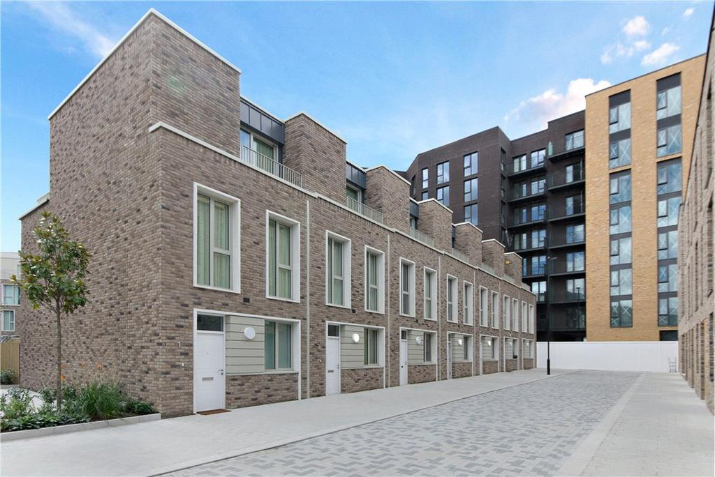 3 Bedrooms Residential Development Commercial for sale in Rope Terrace, Maritime House, Royal Wharf, London, E16