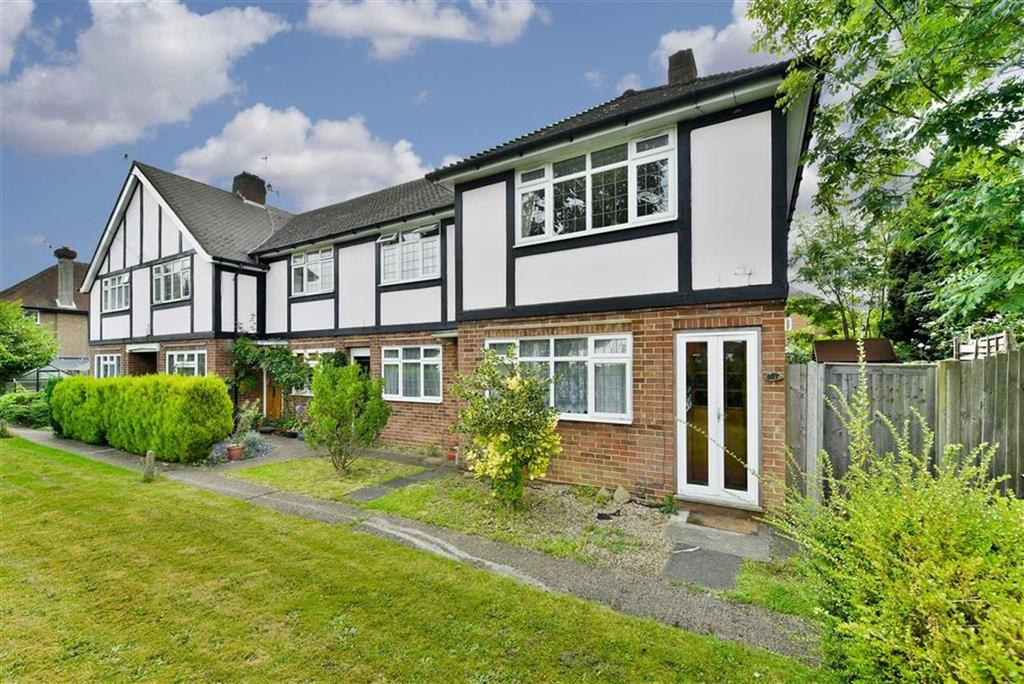 2 Bedrooms Flat for sale in Dorking Road, Epsom, Surrey